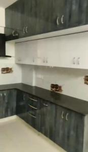Gallery Cover Image of 1200 Sq.ft 1 BHK Apartment for rent in EAPL Sri Tirumala Sarovar, Singasandra for 5750