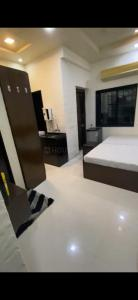 Bedroom Image of Available For Male & Female , Single & Double Sharing Room In Mahim West in Mahim