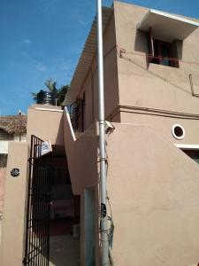 Gallery Cover Image of 850 Sq.ft 2 BHK Independent House for buy in Sholinganallur for 5500000