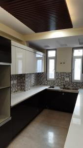Gallery Cover Image of 2398 Sq.ft 3 BHK Independent Floor for buy in Sector 31 for 16100000