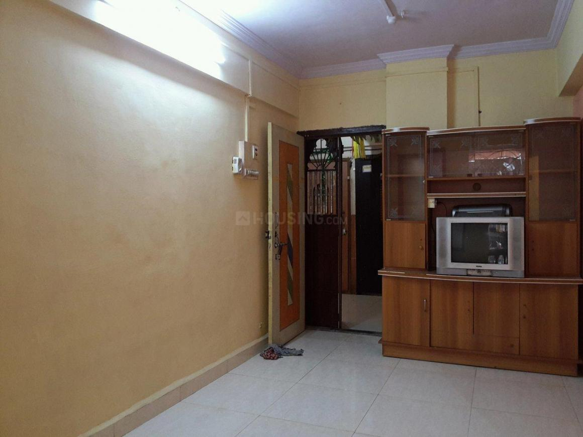 Living Room Image of 650 Sq.ft 1 BHK Apartment for rent in Airoli for 15000