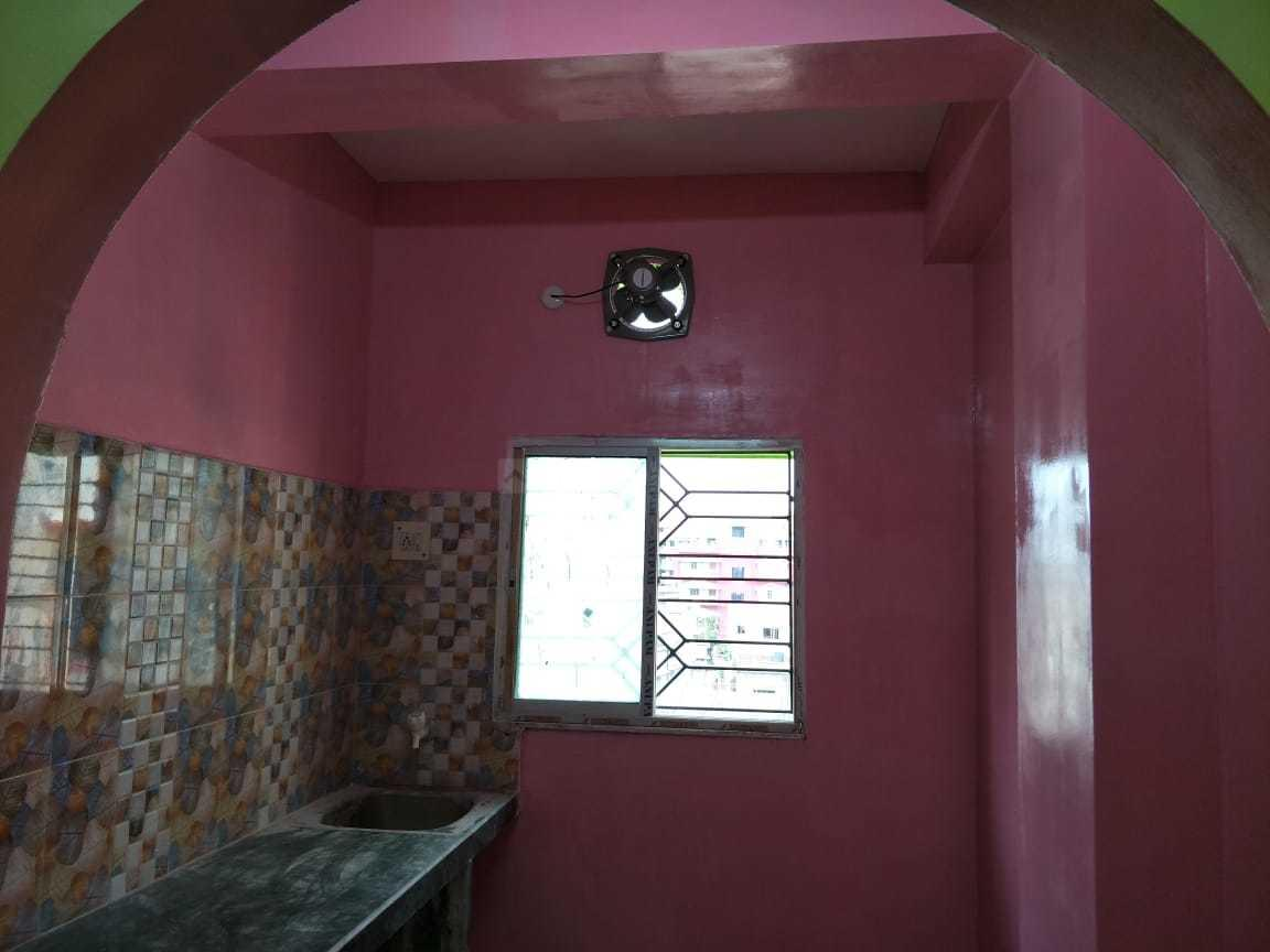 Kitchen Image of 825 Sq.ft 2 BHK Apartment for buy in Mourigram for 2650000