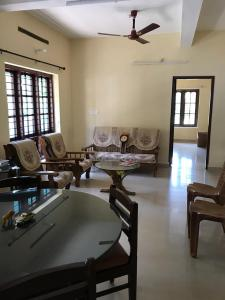 Gallery Cover Image of 1550 Sq.ft 3 BHK Apartment for buy in Aishwarya Apartment, Collectorate for 6000000