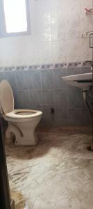 Bathroom Image of Mannat PG 50%off in Sector 16