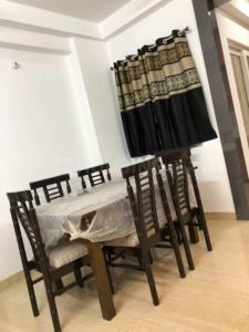 Gallery Cover Image of 1830 Sq.ft 3 BHK Apartment for rent in Zeta I Greater Noida for 16000
