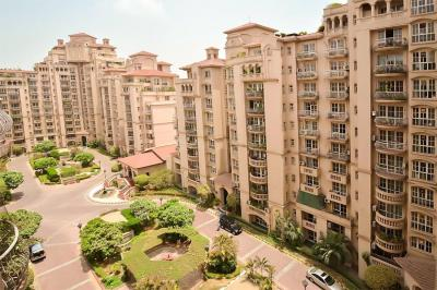 Gallery Cover Image of 3000 Sq.ft 3 BHK Apartment for rent in DLF Phase 2 for 75000