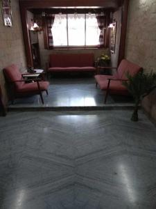 Gallery Cover Image of 780 Sq.ft 2 BHK Apartment for rent in Vile Parle West for 55000
