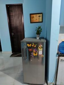 Gallery Cover Image of 450 Sq.ft 1 RK Independent Floor for rent in DDA Freedom Fighters Enclave, Said-Ul-Ajaib for 9500