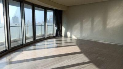Gallery Cover Image of 2250 Sq.ft 3 BHK Apartment for rent in Lower Parel for 350000
