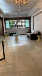 Gallery Cover Image of 750 Sq.ft 2 BHK Apartment for rent in Pooja Apartments, Khar West for 80000