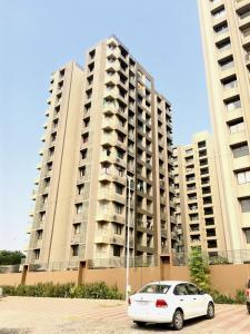 Gallery Cover Image of 1989 Sq.ft 3 BHK Apartment for rent in Raison Casa Elite, Chharodi for 14500