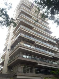 Gallery Cover Image of 21000 Sq.ft 3 BHK Apartment for buy in Khar West for 77500000