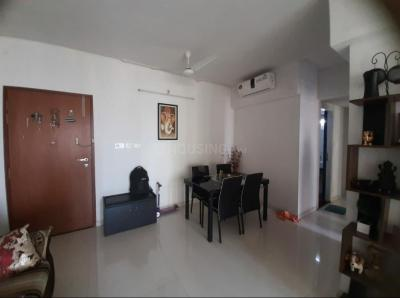 Gallery Cover Image of 1150 Sq.ft 2 BHK Apartment for rent in Kalpataru Hills, Thane West for 30000