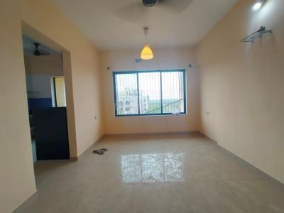 Gallery Cover Image of 650 Sq.ft 1 BHK Apartment for rent in New Heritage Cooperative Housing Society, Dahisar West for 17000