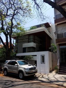 Gallery Cover Image of 5000 Sq.ft 5 BHK Independent House for buy in Koramangala for 170000000