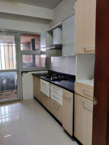 Gallery Cover Image of 1450 Sq.ft 2 BHK Apartment for rent in DB Woods, Goregaon East for 55000
