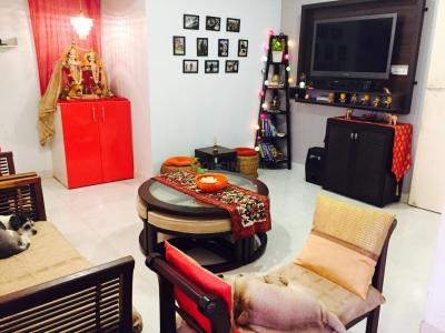Gallery Cover Image of 800 Sq.ft 2 BHK Apartment for rent in Goregaon East for 35000