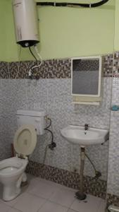 Gallery Cover Image of 1000 Sq.ft 3 BHK Independent Floor for rent in sector 73 for 18000