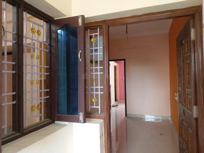 Gallery Cover Image of 600 Sq.ft 2 BHK Independent Floor for rent in Gerugambakkam for 7000