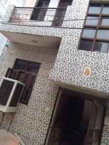 Gallery Cover Image of 600 Sq.ft 2 BHK Independent Floor for rent in Burari for 5000