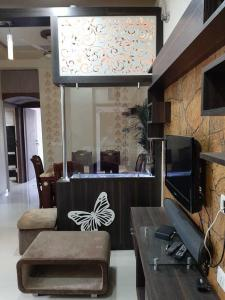 Gallery Cover Image of 1260 Sq.ft 2 BHK Apartment for rent in Ghuma for 22000