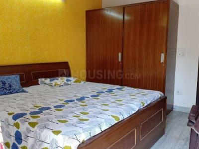 Gallery Cover Image of 1250 Sq.ft 3 BHK Apartment for rent in RWA Khirki Extension Block R, Malviya Nagar for 35000