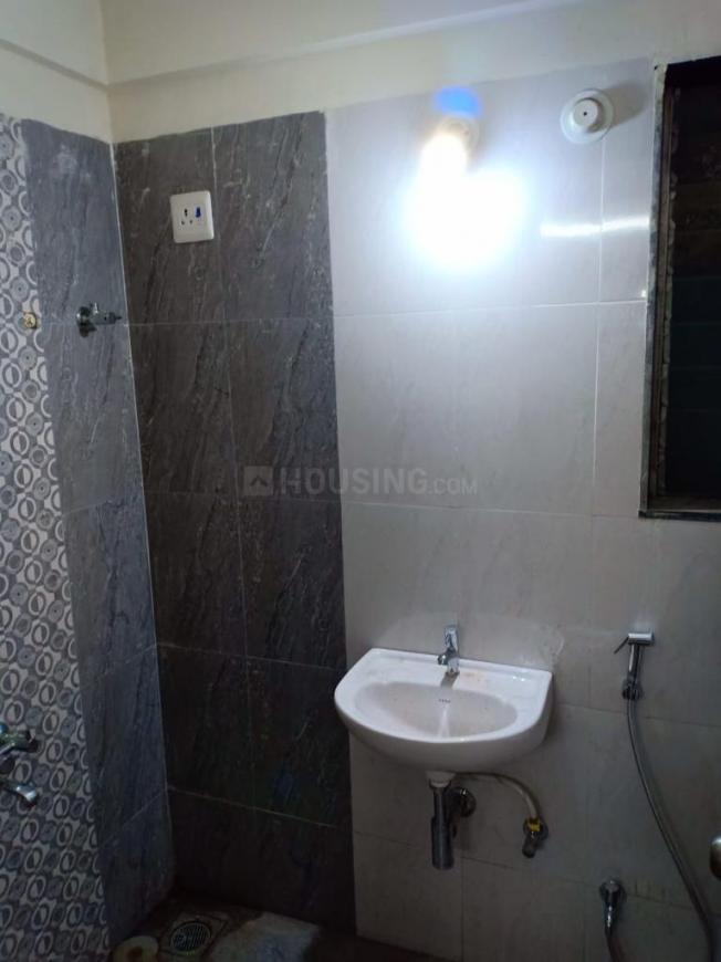 Common Bathroom Image of 995 Sq.ft 2 BHK Apartment for rent in Bhiwandi for 8000