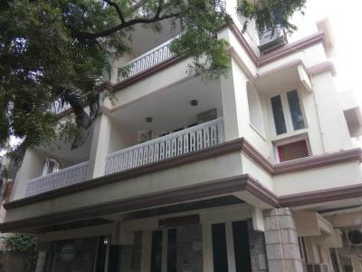 Gallery Cover Image of 2400 Sq.ft 3 BHK Independent Floor for rent in Egmore for 50000