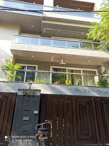 Gallery Cover Image of 1850 Sq.ft 3 BHK Independent House for buy in Navgrow Greater Kailash Builder Floor, Greater Kailash for 31500000