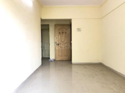 Gallery Cover Image of 520 Sq.ft 1 BHK Apartment for rent in Kandivali West for 17000