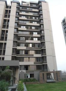 Gallery Cover Image of 1167 Sq.ft 2 BHK Apartment for rent in Near Nirma University On SG Highway for 13000
