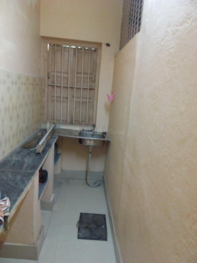 Kitchen Image of 1350 Sq.ft 2 BHK Independent Floor for rent in Baghajatin for 14000
