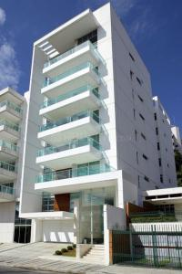 Gallery Cover Image of 1405 Sq.ft 3 BHK Apartment for buy in RR Nagar for 5926000