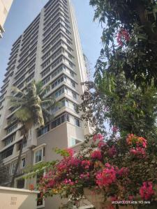 Gallery Cover Image of 1825 Sq.ft 3 BHK Apartment for buy in Agripada for 55000000