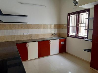 Gallery Cover Image of 1250 Sq.ft 2 BHK Apartment for rent in T Nagar for 27000