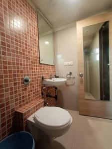 Bathroom Image of PG 5543801 Kandivali West in Kandivali West