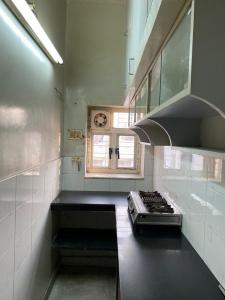 Gallery Cover Image of 700 Sq.ft 3 RK Apartment for buy in Shyambazar for 4500000