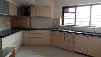 Gallery Cover Image of 1200 Sq.ft 2 BHK Apartment for rent in Khar West for 75000
