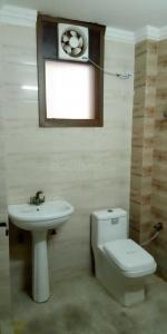 Gallery Cover Image of 1700 Sq.ft 3 BHK Apartment for rent in Sector 5 Dwarka for 28000