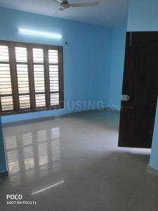 Gallery Cover Image of 750 Sq.ft 2 BHK Apartment for rent in Singasandra for 11000