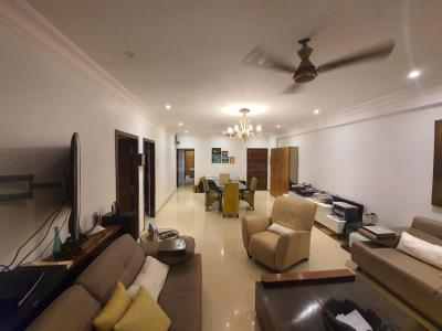 Gallery Cover Image of 1750 Sq.ft 3 BHK Apartment for buy in Juhu for 75000000