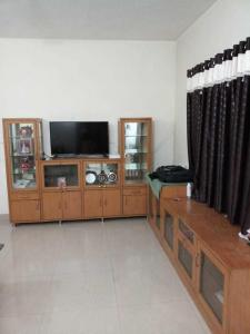 Gallery Cover Image of 1100 Sq.ft 2 BHK Apartment for rent in Wakad for 20001