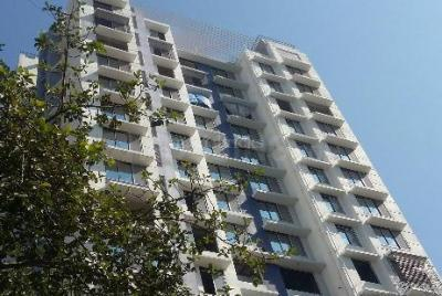 Gallery Cover Image of 650 Sq.ft 1 BHK Apartment for buy in Malad West for 13000000