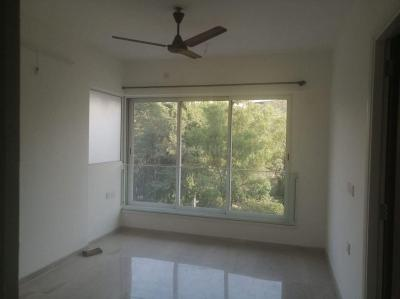 Gallery Cover Image of 1300 Sq.ft 3 BHK Apartment for rent in Courtyard, Thane West for 49000