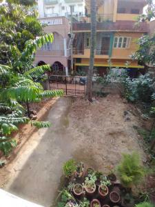 Gallery Cover Image of 300 Sq.ft 1 RK Independent House for rent in Indira Nagar for 7500