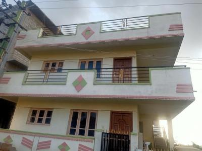 Gallery Cover Image of 1400 Sq.ft 2 BHK Independent House for buy in T E Apartment, Uttarahalli Hobli for 11000000