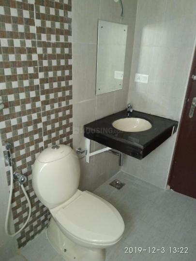 Common Bathroom Image of 1125 Sq.ft 2 BHK Apartment for rent in Semmancheri for 14000