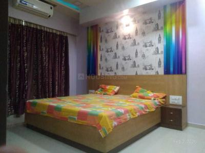 Gallery Cover Image of 1751 Sq.ft 3 BHK Apartment for rent in Kandivali East for 54500