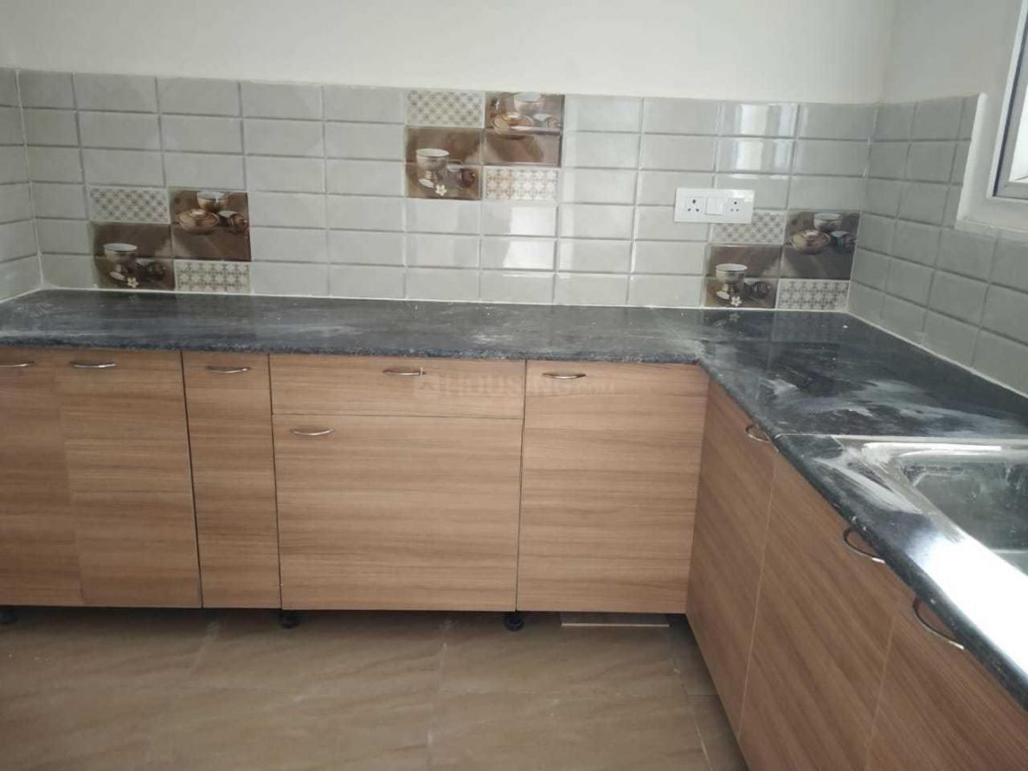Kitchen Image of 1040 Sq.ft 2 BHK Apartment for rent in Omicron I Greater Noida for 10500