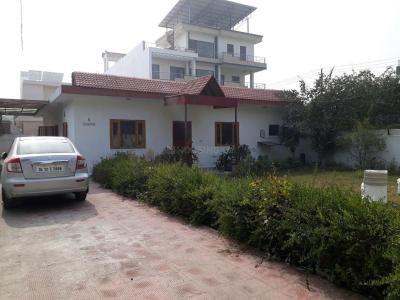 Gallery Cover Image of 2000 Sq.ft 3 BHK Independent House for rent in Sector 71 for 30000